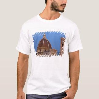 Dôme de Santa Maria del Fiore Cathedral dans chaud T-shirt