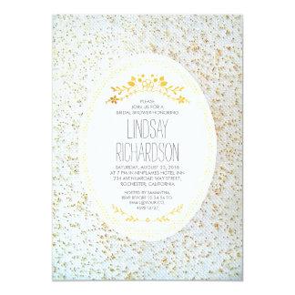 Douche nuptiale blanche florale de pois d'or carton d'invitation  12,7 cm x 17,78 cm
