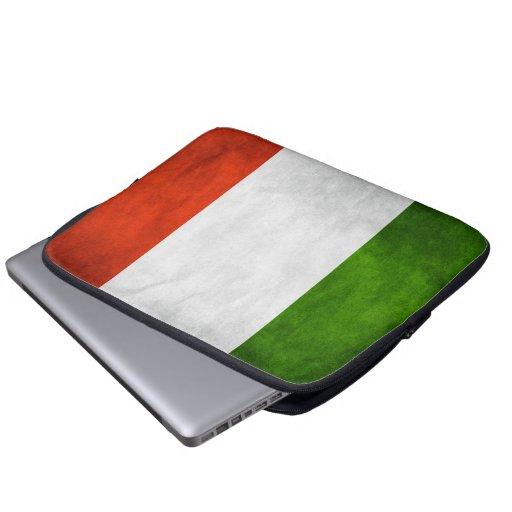 douille italienne italie d 39 ordinateur portable du zazzle. Black Bedroom Furniture Sets. Home Design Ideas