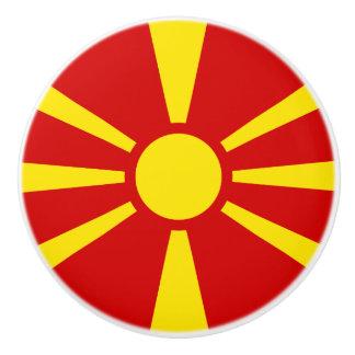 Drapeau de bouton en céramique de Macédoine