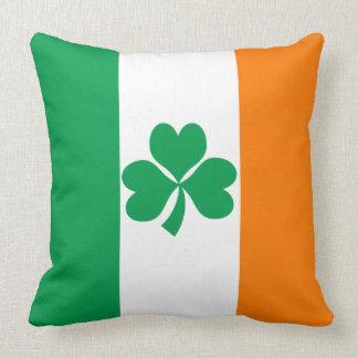 Drapeau de shamrock de l'Irlande Coussin Décoratif