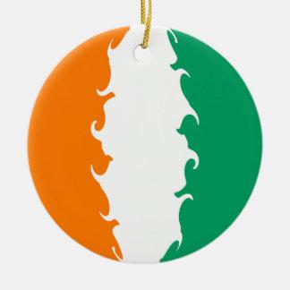 Drapeau Gnarly de d'Ivoire de Cote Ornement De Noël