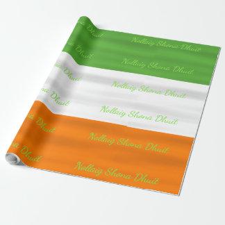 Drapeau irlandais Irlande de Nollaig Shona Dhuit Papier Cadeau