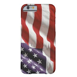 """Drapeau vintage des USA """"pilotant haut"""" la caisse  Coque iPhone 6 Barely There"""
