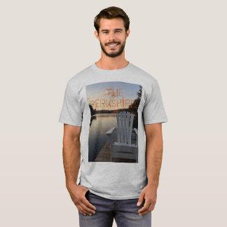 Du Berskshire des hommes le T-shirt dehors