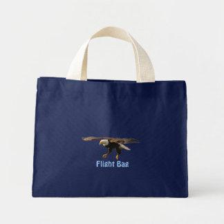 EAGLE CHAUVE débarquant le sac fourre-tout à vol