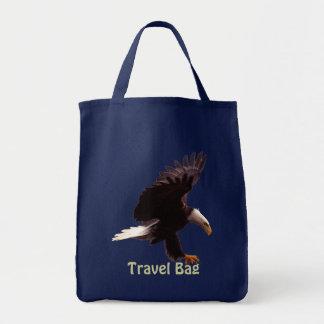 EAGLE CHAUVE débarquant le voyage portent le sac