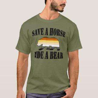 Économies gaies de fierté d'ours un tour de cheval t-shirt
