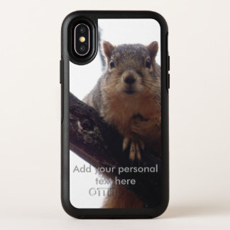Eekhoorn die uw Otterbox telefoonhoesje bekijken