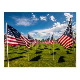 Een gebied van Amerikaanse Vlaggen op v-Dag Briefkaart