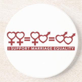 Égalité de mariage/un caboteur de coutume d'amour dessous de verres
