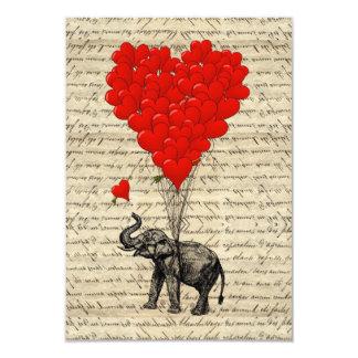 Éléphant et ballons en forme de coeur carton d'invitation 8,89 cm x 12,70 cm