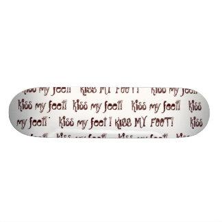 embrassez mes pieds - planche à roulettes de crâne planches à roulettes customisées