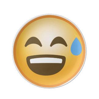 Emoji soulagé de sourire assiette en porcelaine