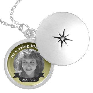 En collier affectueux de photo de mémoire