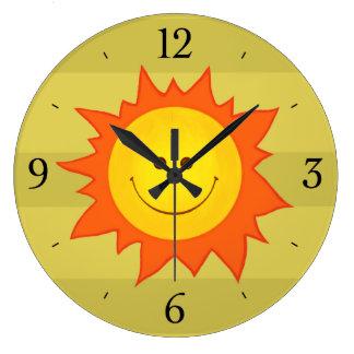 Enfants de sourire heureux de Sun de bande Grande Horloge Ronde