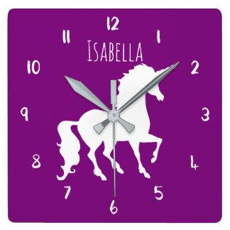 Enfants personnalisés par licorne pourpre de horloge carrée
