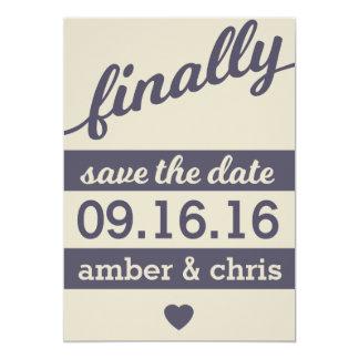 Enfin se mariant ! Réservez la date Carton D'invitation 12,7 Cm X 17,78 Cm