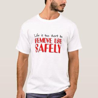 Enlevez le T-shirt peu sûr drôle d'USB