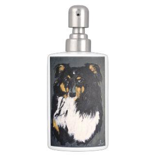 Ensemble de salle de bains de chien de berger de distributeurs de savon