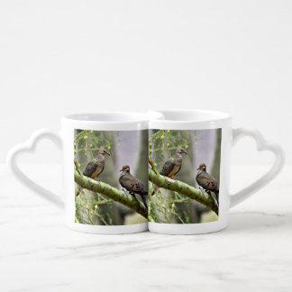 Ensemble de tasse de café de colombes d'amour