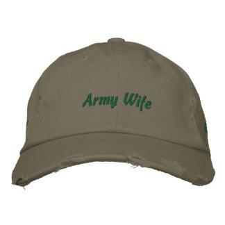 Épouse d'armée chapeaux brodés