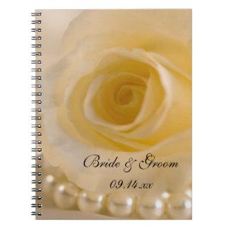 Épouser de rose blanc et de perles carnet à spirale