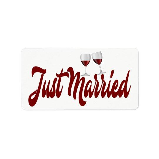 Épouser marié rouge en verre de vin de Bourgogne Étiquette D'adresse