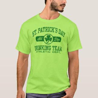 Équipe potable du jour de St Patrick T-shirt