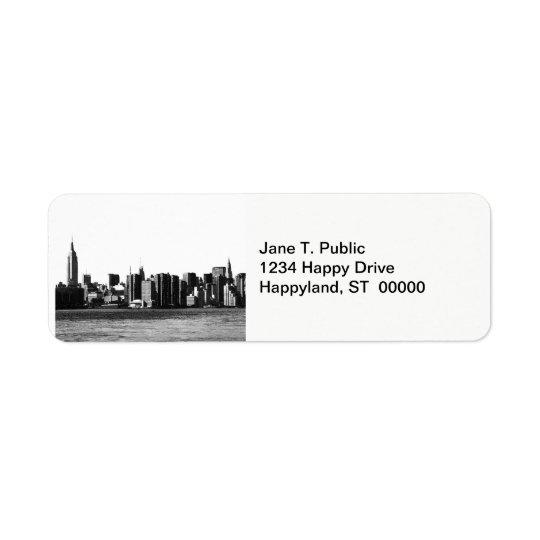 ESB d'horizon de NYC, vue 001 de l'East River Étiquette D'adresse Retour