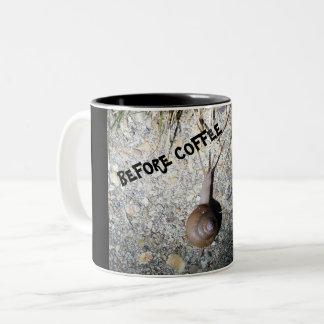 Escargot avant tasse de café