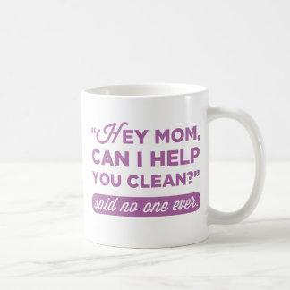Est-ce qu'hé maman, je peux vous aider à nettoyer mug