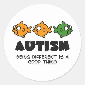Étant différent - conception d'autisme autocollant rond