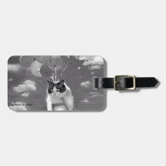 Étiquette À Bagage Étiquette de sac : Vol drôle de chat avec des