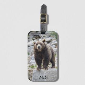 Étiquette À Bagage Ours de Kodiak se tenant sur une roche