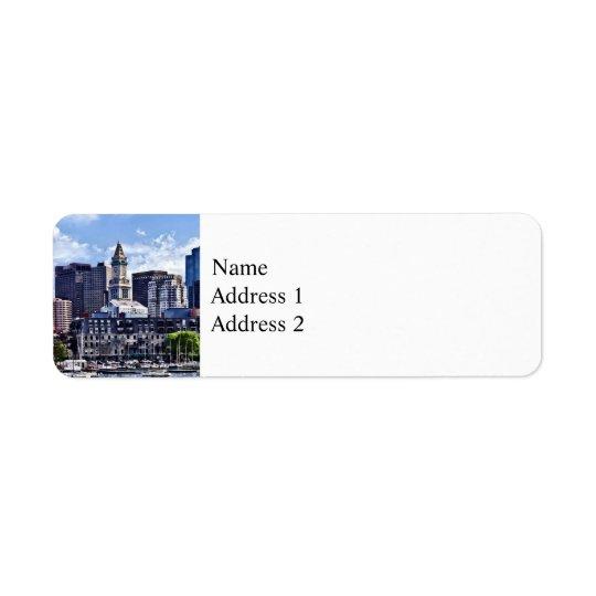 Étiquette Boston mA - Horizon avec la tour de bureau de