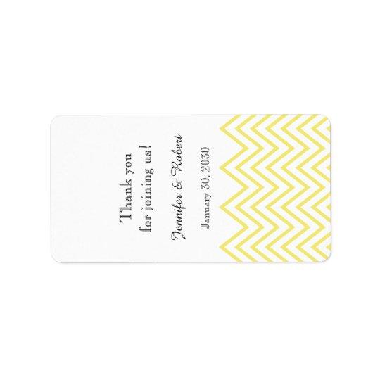 Étiquette jaune moderne de baume à lèvres de