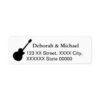 Étiquette joueurs de guitare noirs et blancs