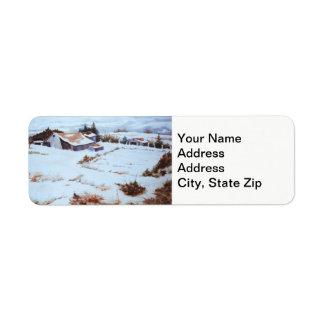 Étiquette La ferme d'hiver, grange, neige de jardin a