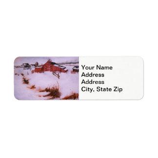 Étiquette La neige d'hiver a couvert la grange rouge,