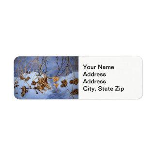 Étiquette Neige d'hiver avec le paysage brun sec de froid