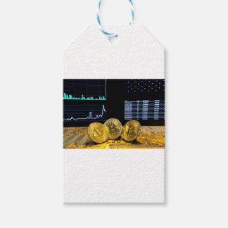 Étiquettes-cadeau Le marché de circuit de trio de Bitcoin dresse une