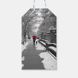 Étiquettes-cadeau Le parapluie rouge