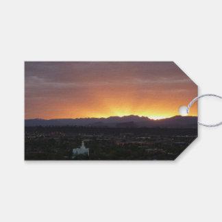 Étiquettes-cadeau Lever de soleil au-dessus de paysage de St George