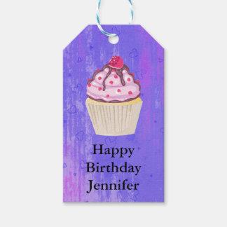 Étiquettes-cadeau Petit gâteau doux avec la framboise sur