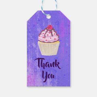 Étiquettes-cadeau Petit gâteau doux avec la framboise sur le Merci
