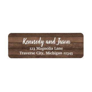Étiquettes de adresse blancs en bois foncés