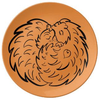 Étreignant des hérissons 4 amoureux des animaux assiette en porcelaine