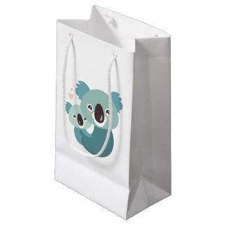 Étreindre doux de mère et de bébé de koala de petit sac cadeau
