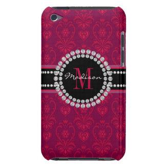 Étui Barely There iPod Rouge cramoisi, damassé magenta, nom et monogramme